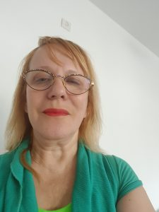 מוניקה אוזן